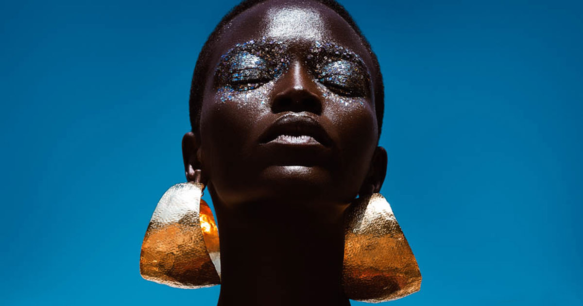 In this editorial for Glamour South Africa we joined Inglot makeup with luxury jewelry designer Fernando Rodriguez. Once again, sharing costs between brands allowed them to count with internationally renowned photographer Elena Iv-Skaya.