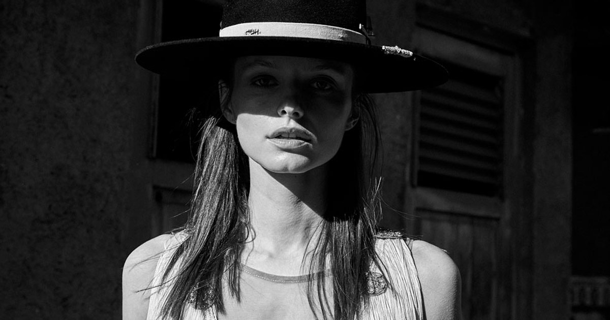 Another editorial published in Glamour where we partnered two brands in order to reduce their costs and improve their results. Shot by Karlos Rodriguez, we worked with El Zorro Hats and Ad Hoc Racers to create a visual appealing story of modern cowboys.