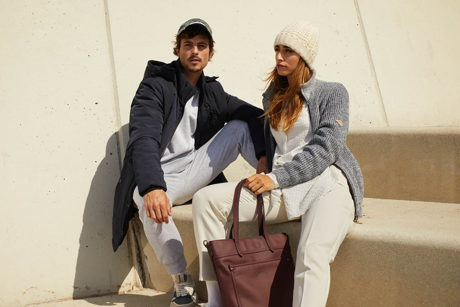 We joined two brands with different products and a common goal. Women's and man's clothes in a single production which allowed them to reduce costs and have a better engament with their audience.