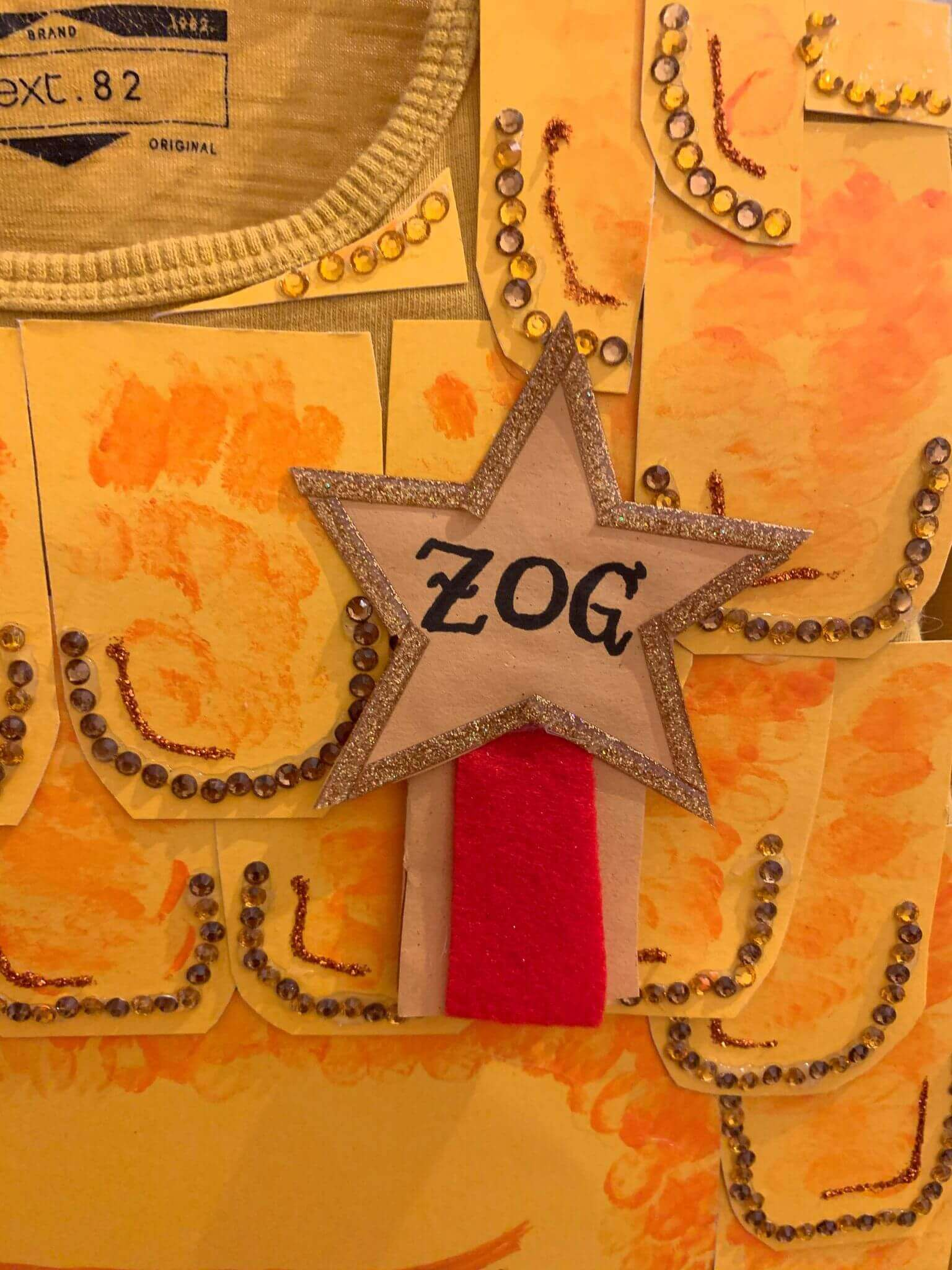 Mother of Grom - Zog Costume the golden star badge