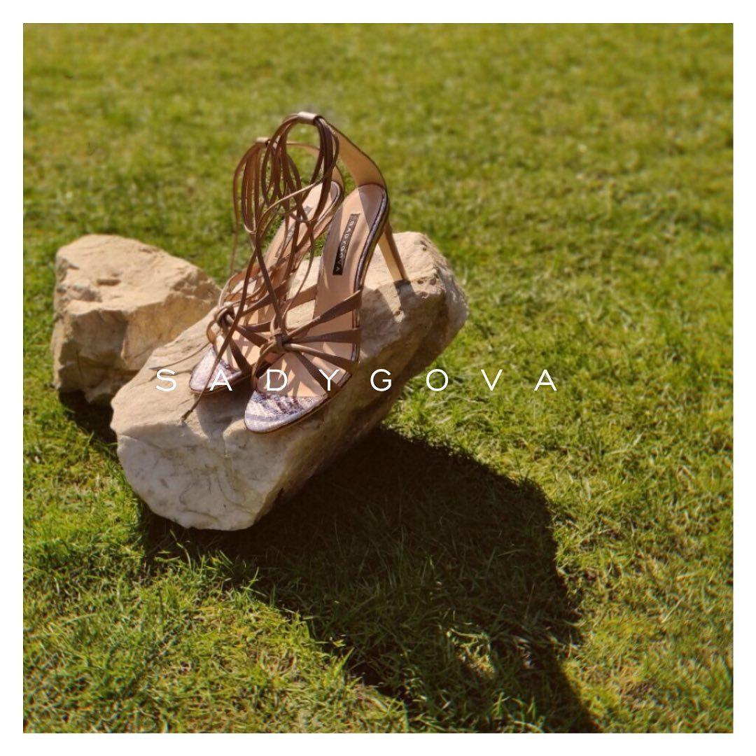 Skin ⠀ Босоніжки такого чуттєвого відтінку... ⠀ Виготовлені з італійської шкіри в найкращих традиціях взуттєвої майстерності. ⠀ Каблук 75мм ⠀ #sadygova #sadygovaheels #sadygovaskin #incredibleshoes #heels #взуттяжіноче #женскаяобу...