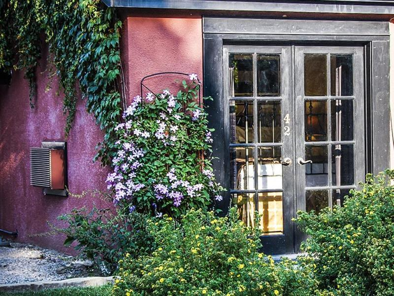 Garden cottage at the best luxury hotel in Cody