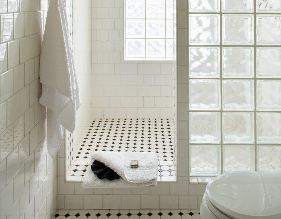 Bathroom at the Chamberlin inn