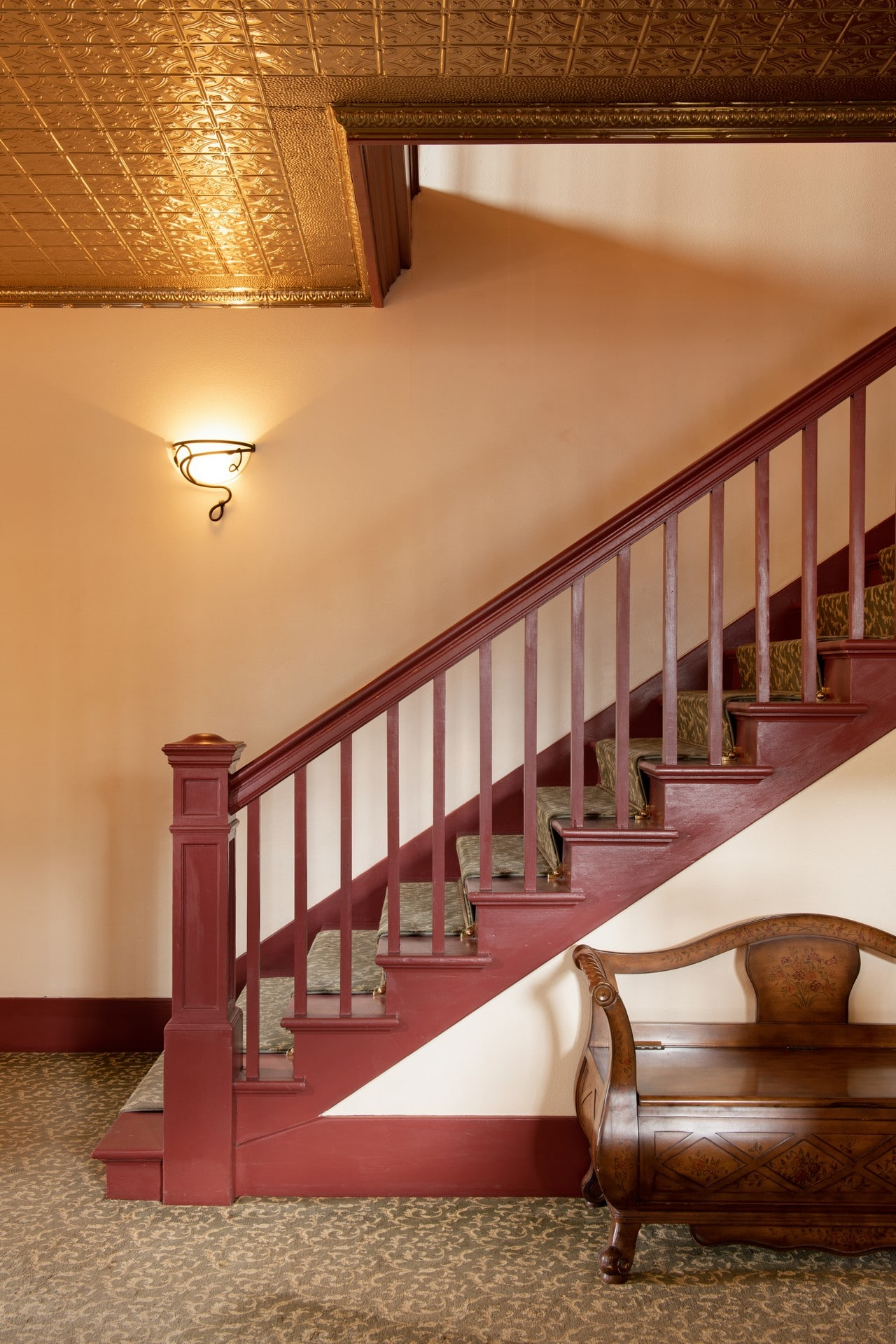 Beautiful ceilings and staircase at the Chamberlin inn