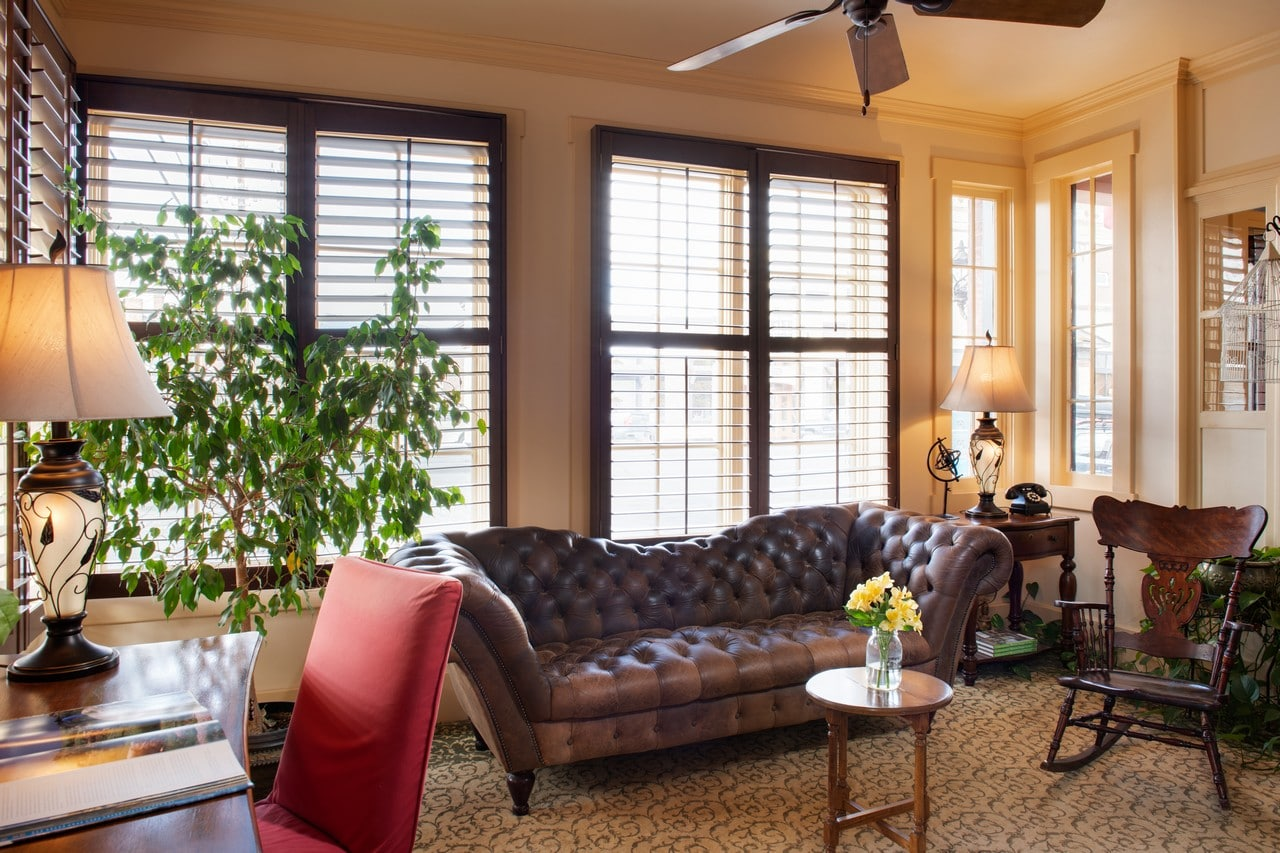 Relaxing lobby at the Chamberlin inn boutique hotel in Cody.