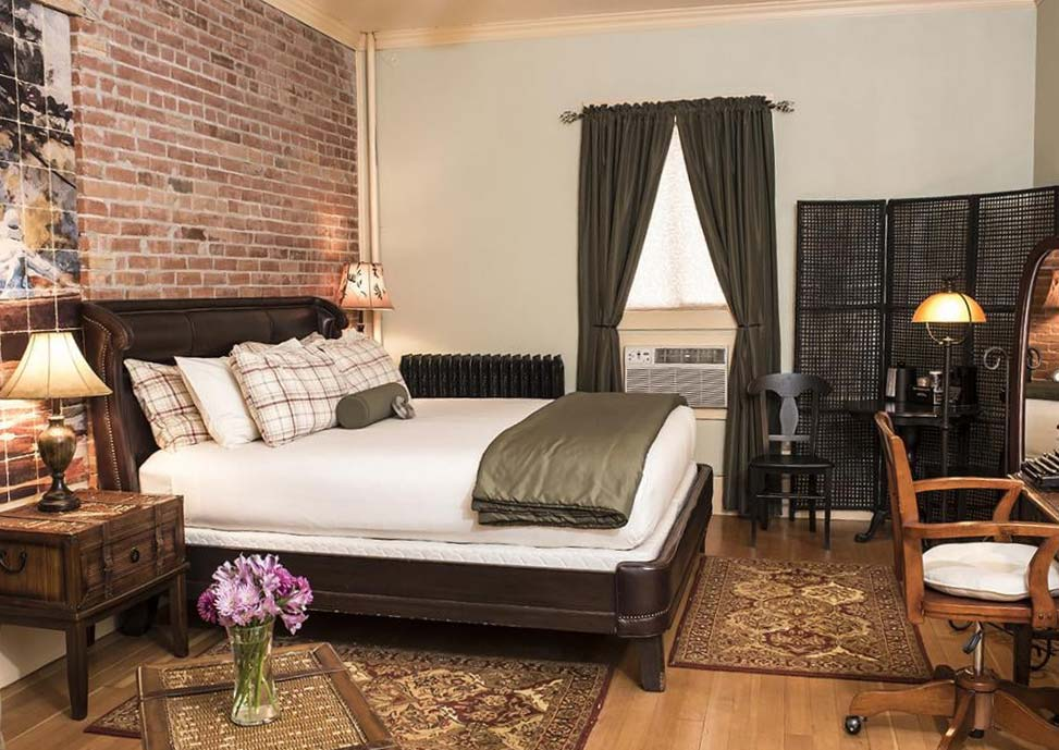 Ernest Hemingway suite at a boutique hotel in Cody