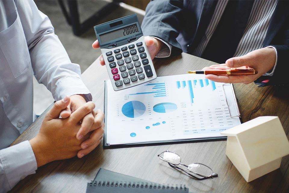 合作伙伴發放首階段貸款,用作支付大訂