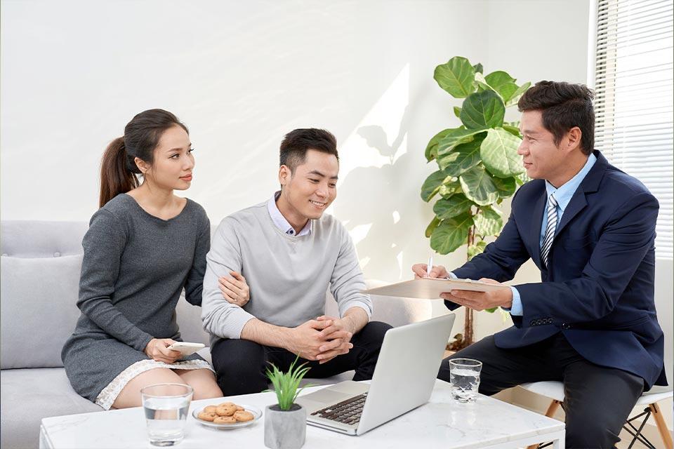 必要時中潤可向客戶免費推介存倉服務、裝修公司、短期住宅租務