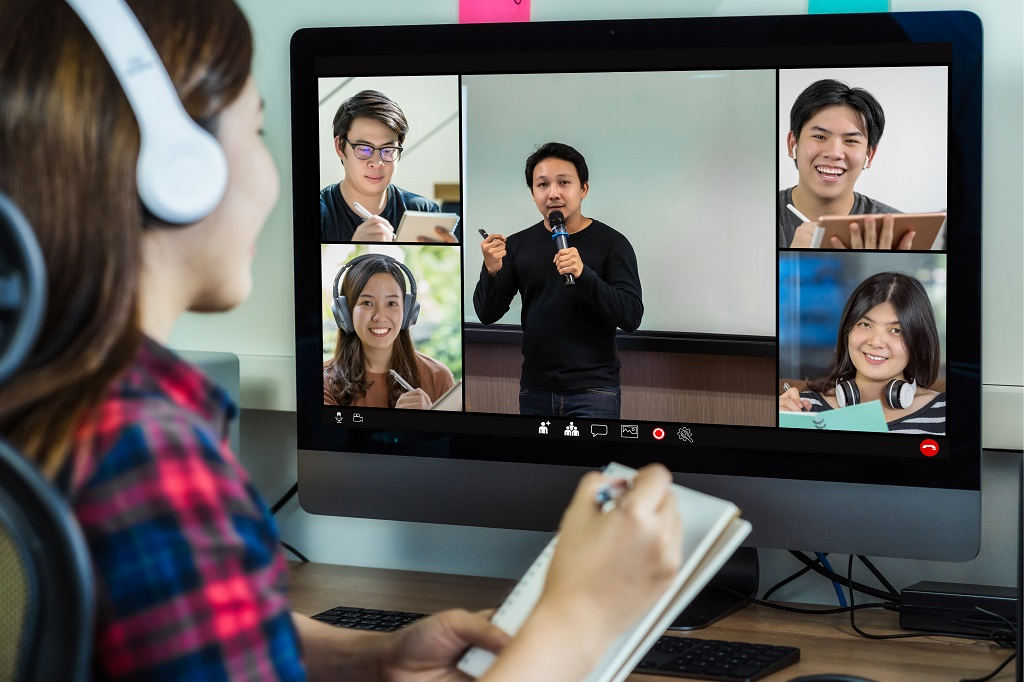 7 Team Building Activities for Your Telecommuting Team