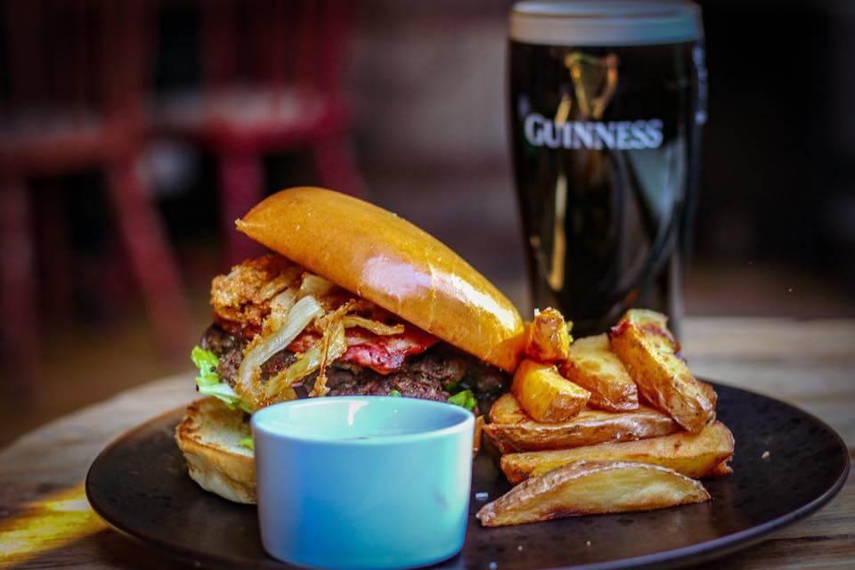 Connolly's Irish Bar Glasgow Burger|Connolly's Irish Bar Glasgow Dubliner Haggis & Chicken