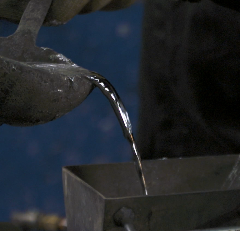 white metal bearings foundry pouring