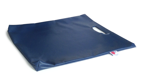 Privacy screen storage bag with easy carrying handle