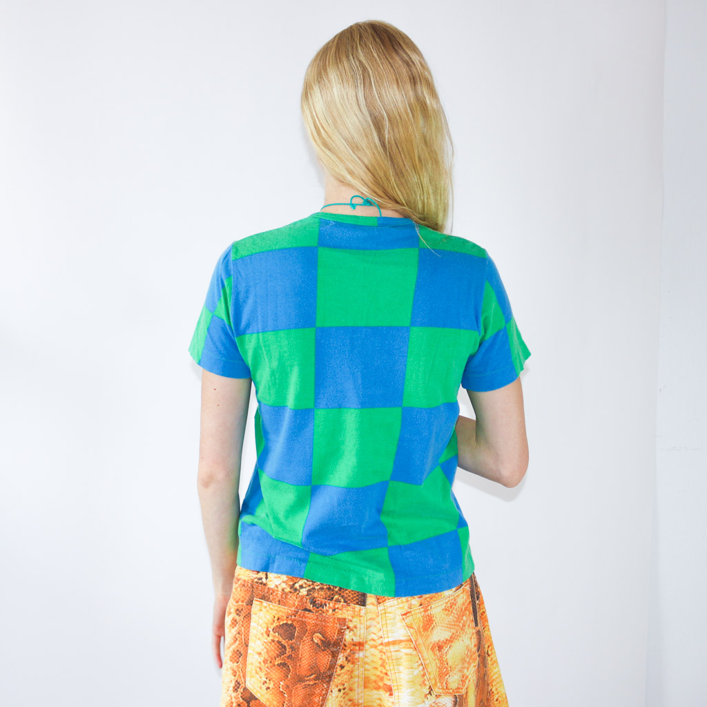 The coolest print and just the right size. A favorite not-so-simple t-shirt.