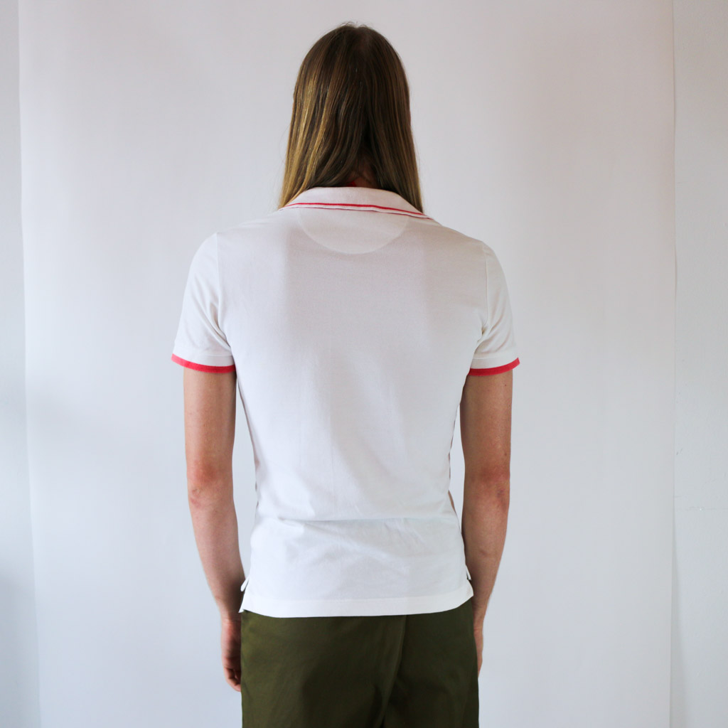 Something about this polo is just right. The suble pink lines add that extra wow-factor.