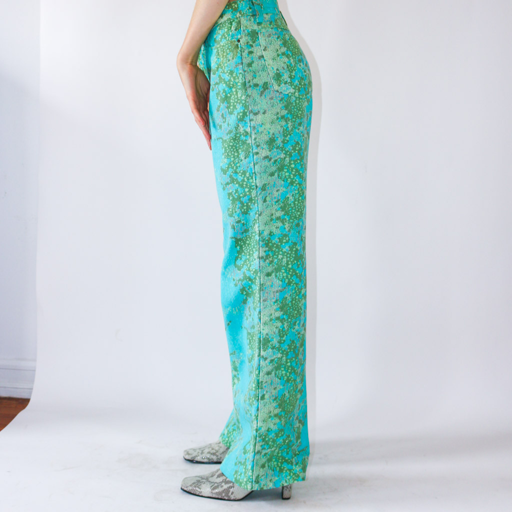 With just a splash of glitter, these fabulous abstract Cavalli pants will make you feel like a dream. Wear them low waist or mid rise.