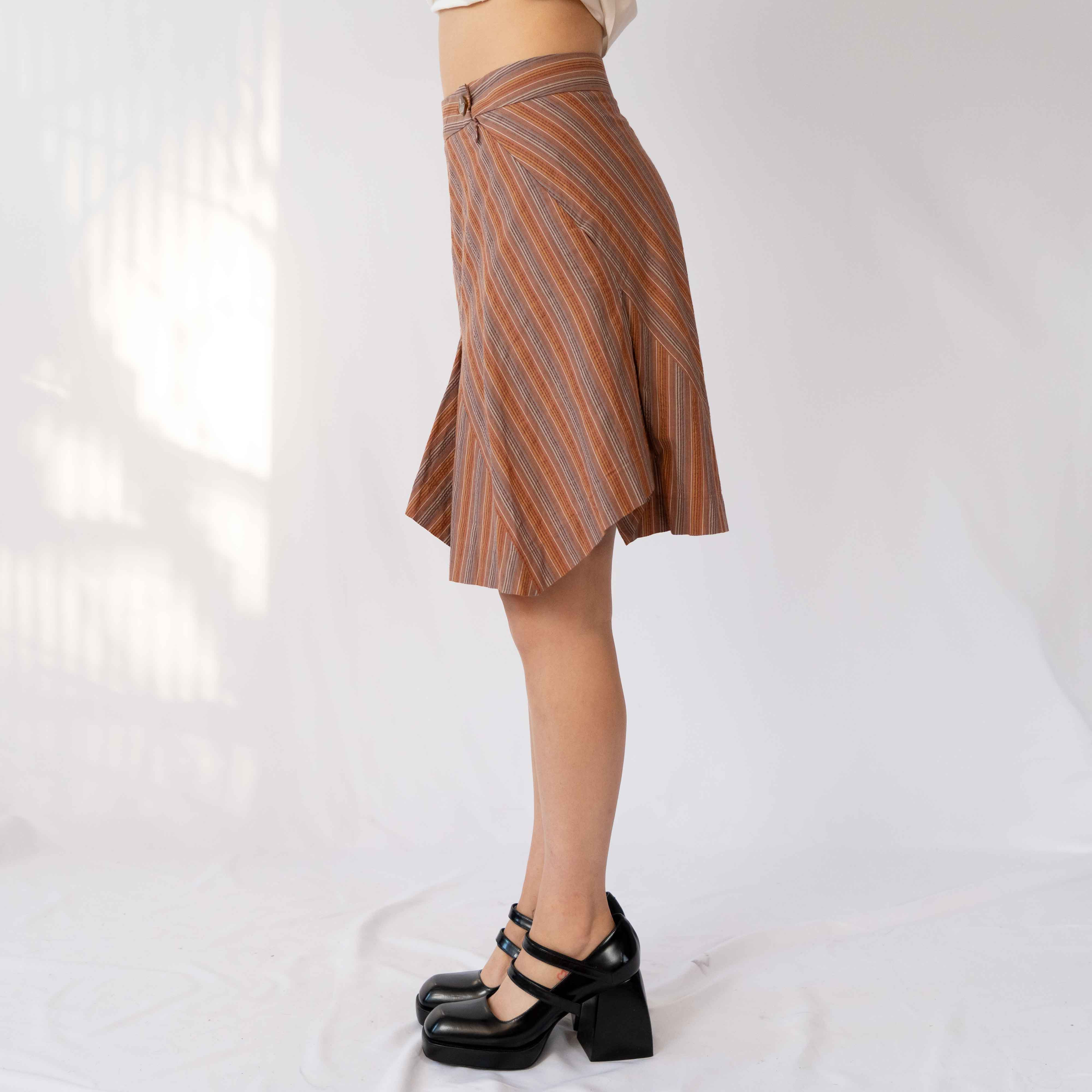 A neutral high waisted skirt for all your crazy colors.