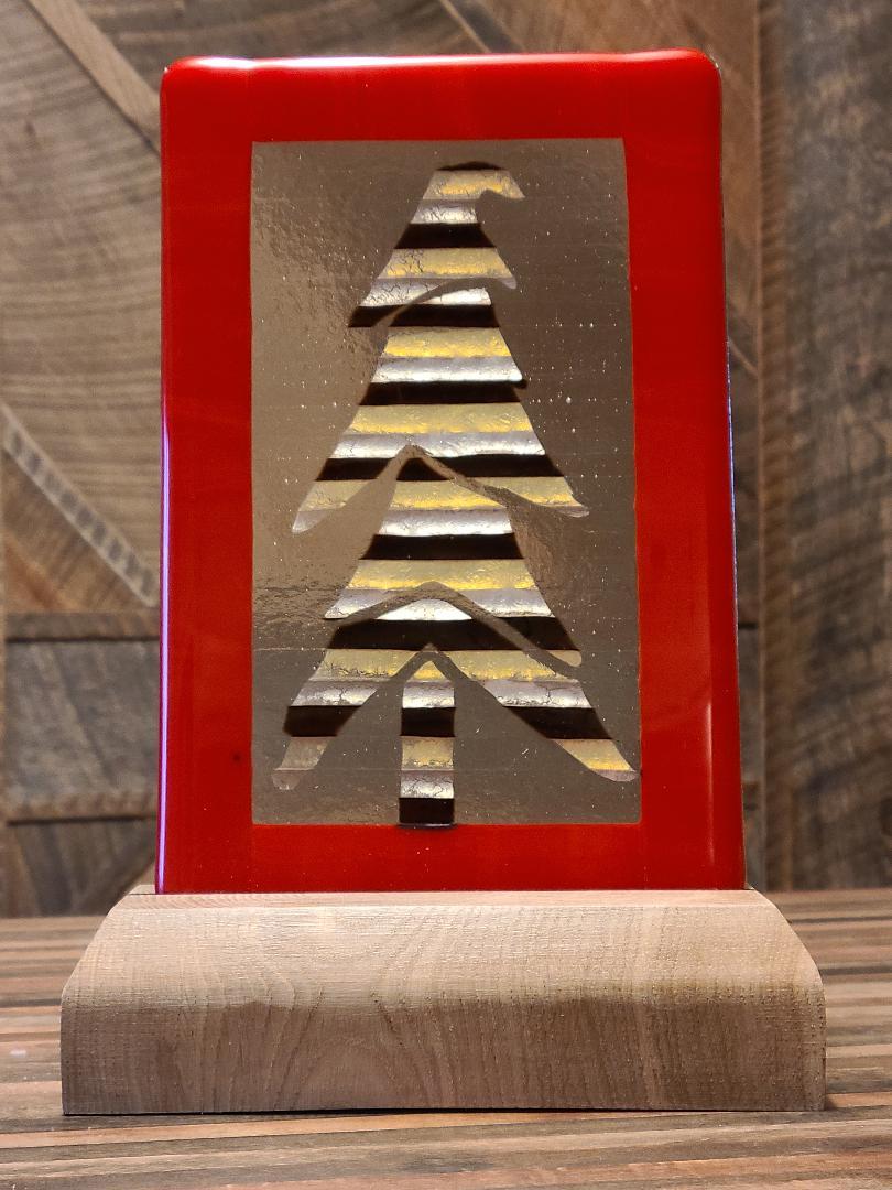 Festive tri-tone pine