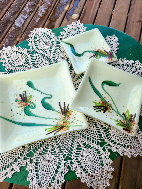 Nesting Plates - set of three