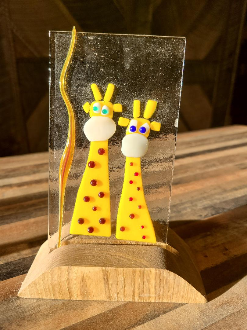 Giraffe pals