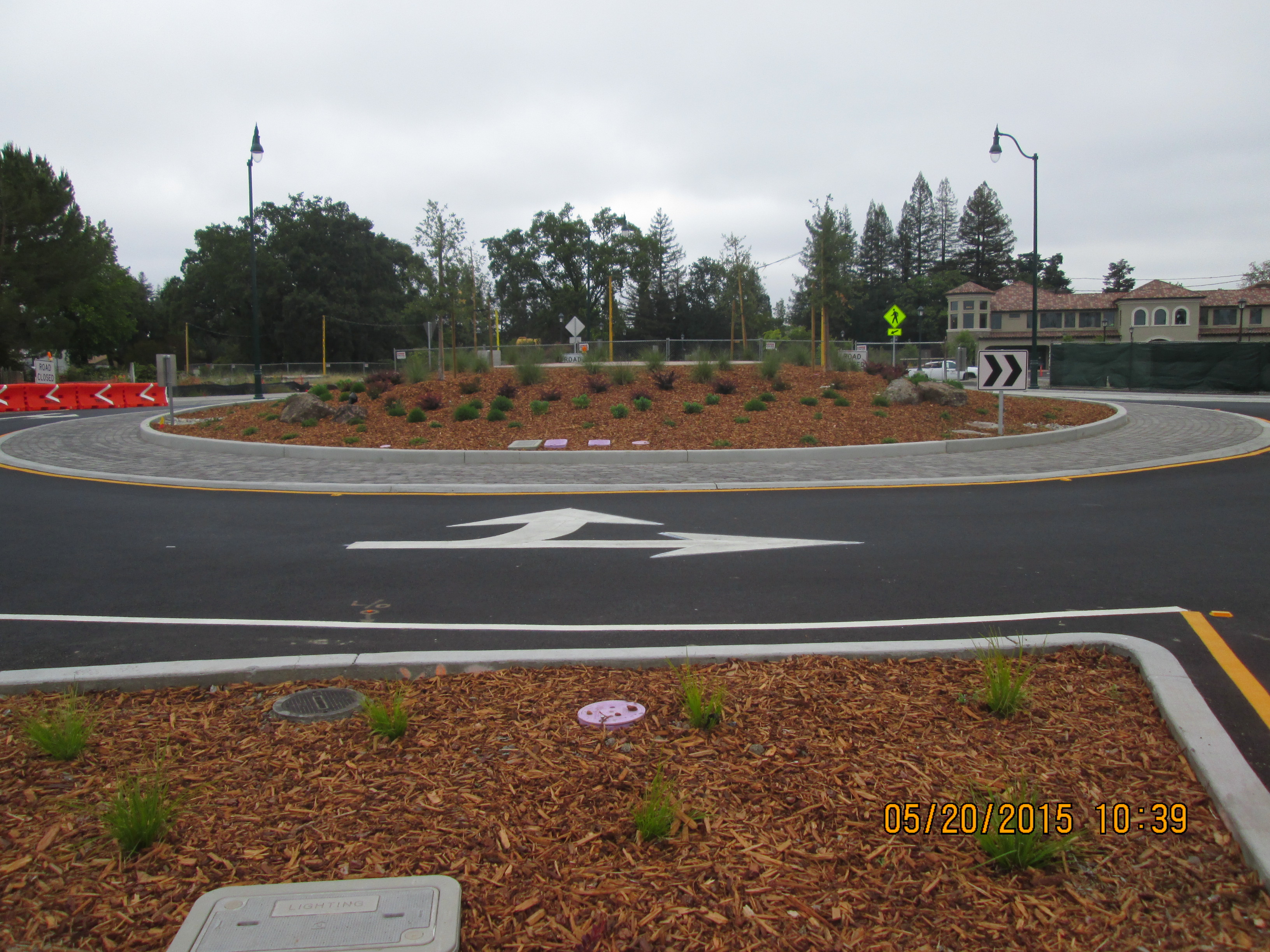The same roundabout completed