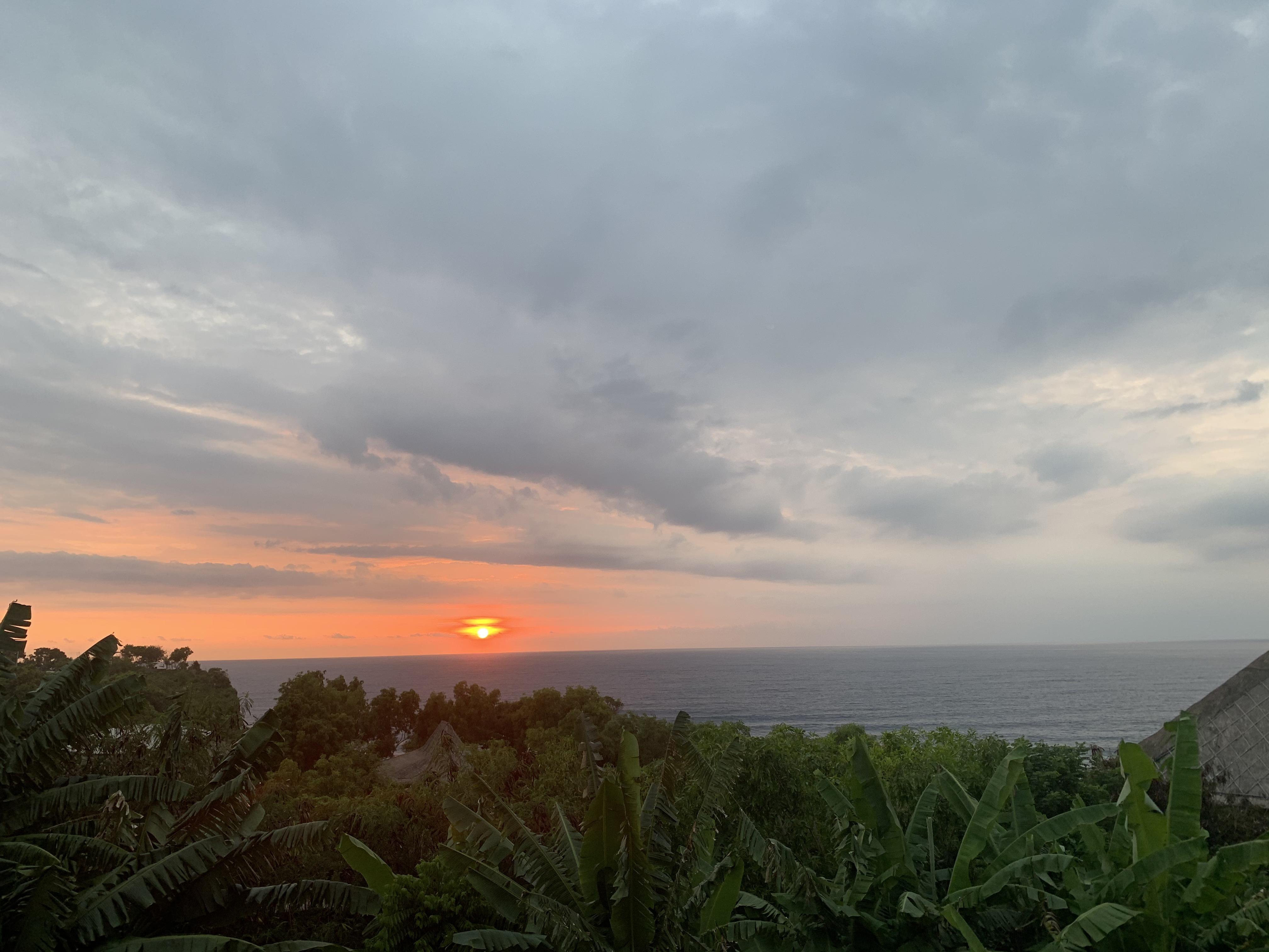 Mana Uluwatu Sunset