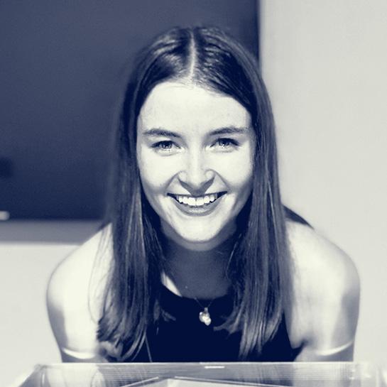 Anna Foltinek headshot
