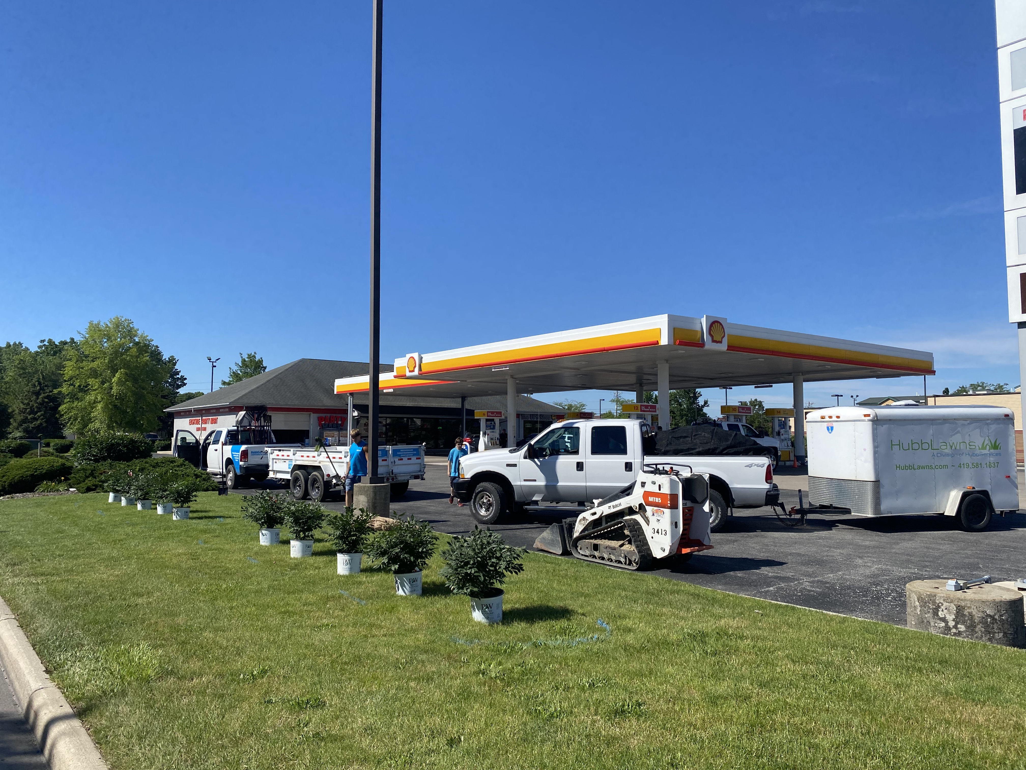 Shell Station Landscaping