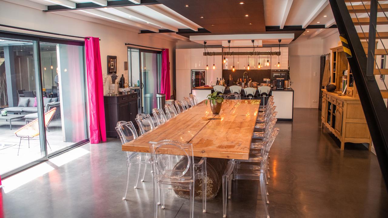 salle à manger Gite Epique Studio Puy du Fou Production