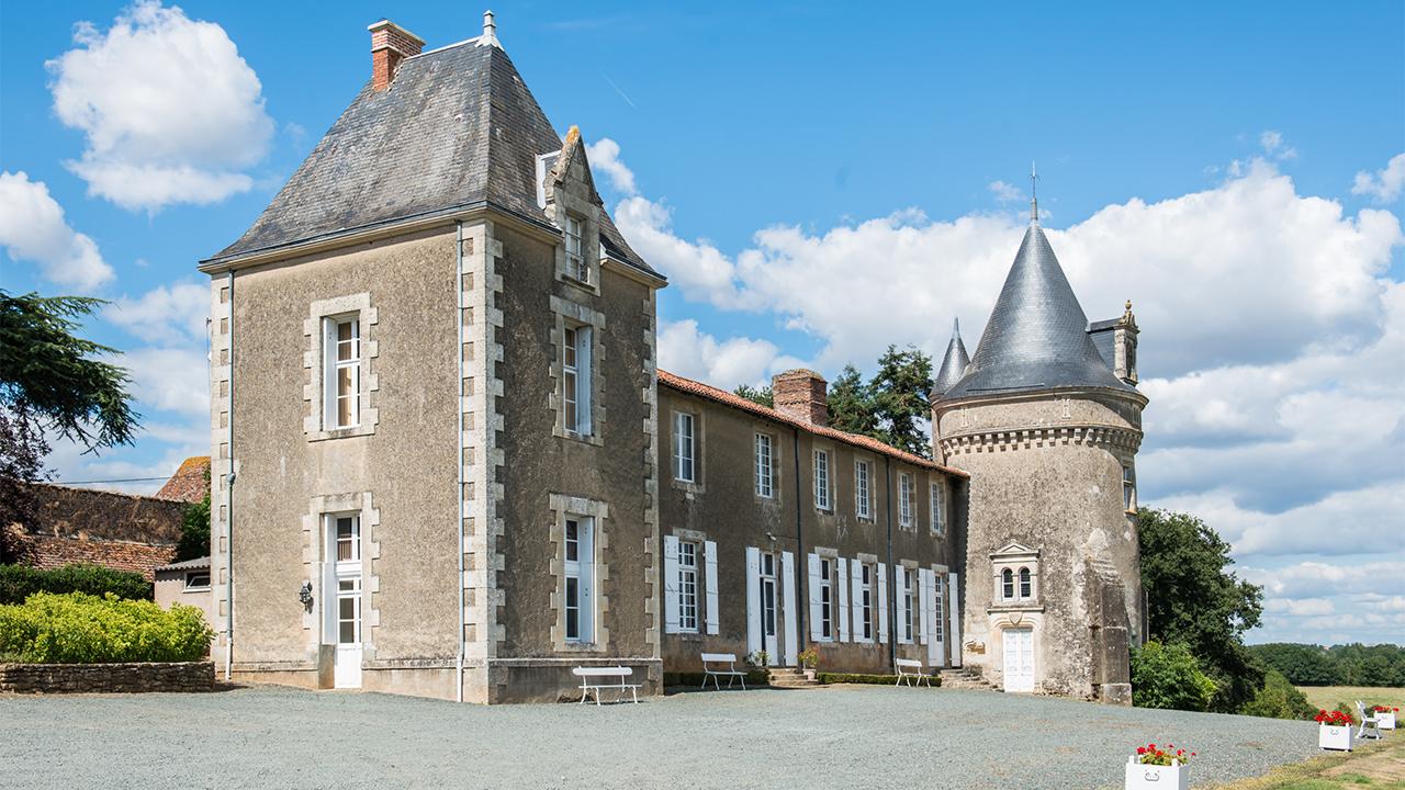 chateau Gite Epique Studio Puy du Fou Production