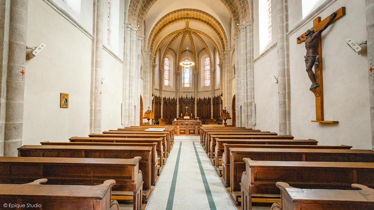 Eglise et Maison Longue XVIIIème