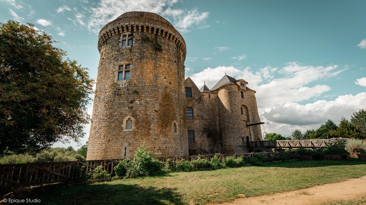 Castle & drawbridge