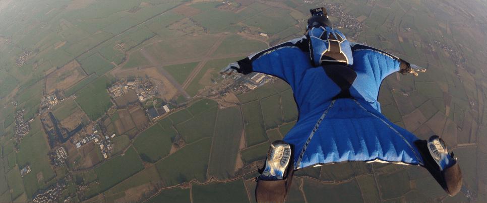 Sky diving in Switzerland