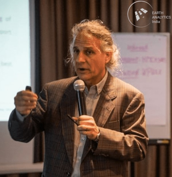 Dr. Francesco Holecz