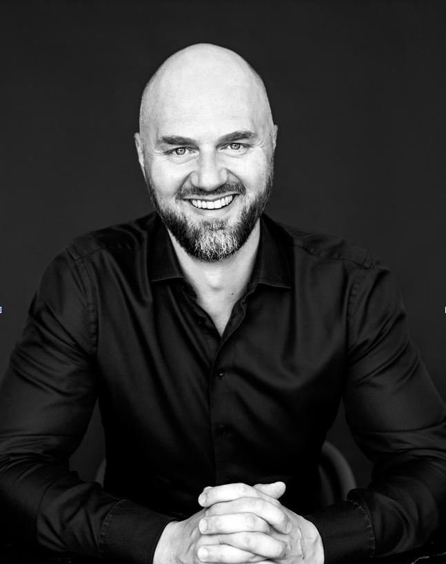 Michał Grzybowski Headshot Photo