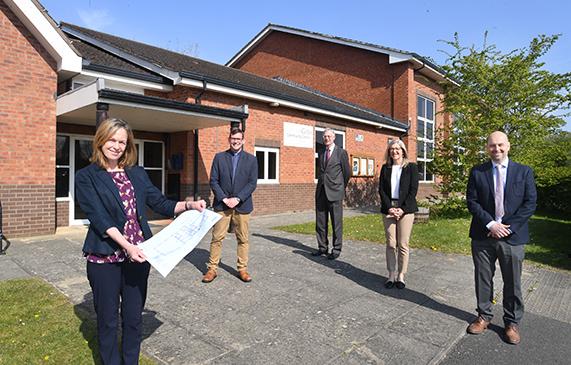 Five-figure donation towards refurbishing a popular Warwick community centre