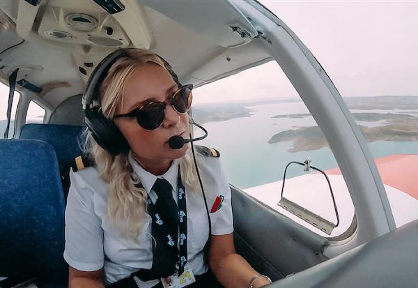 Suzie McKee Cabin Crew turned Pilot