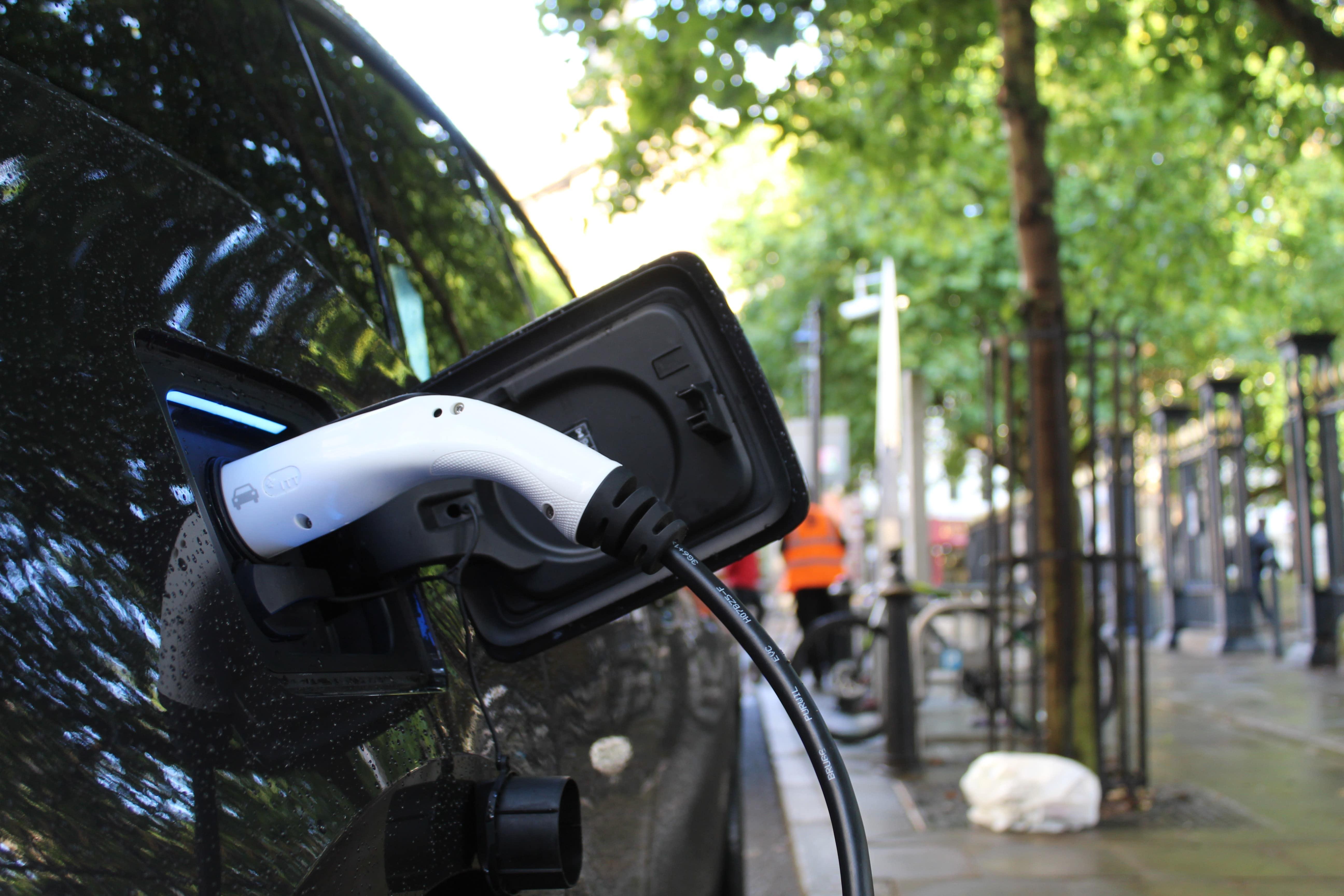 Comparaison empreinte carbone voiture électrique vs voiture thermique