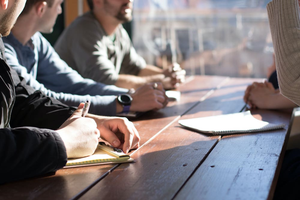 Pourquoi le dialogue avec les parties prenantes est-il indispensable dans une stratégie RSE