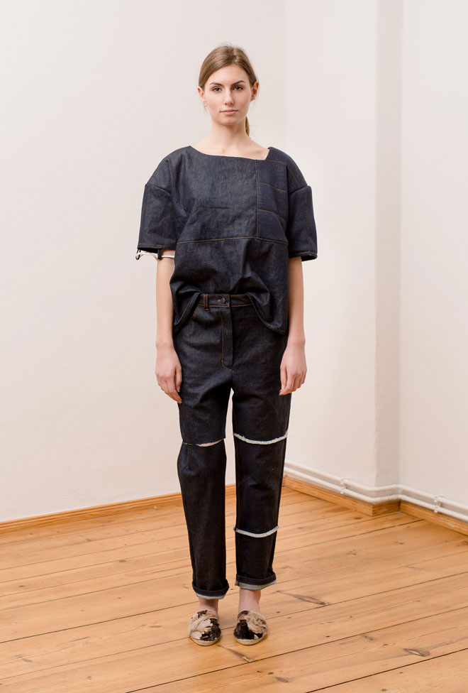 Denim oversized t-shirt with matching jeans with focus on vertical fringe lines