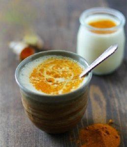 2.Eo thon, dáng gọn nhờ tinh bột nghệ và sữa chua