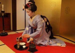 Pha trà đậu đen - Giảm cân bằng đậu đen của người Nhật