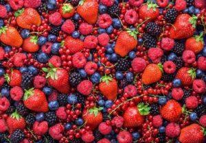 Giảm cân hiệu quả với sinh tố chuối và berry