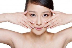 Massage giảm mỡ mặt bằng tay hiệu quả