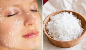 Massage giảm béo mặt bằng muối