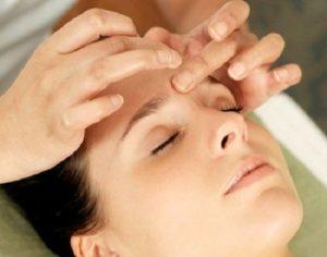 Mẹo massage, bấm huyệt làm thon gọn mặt