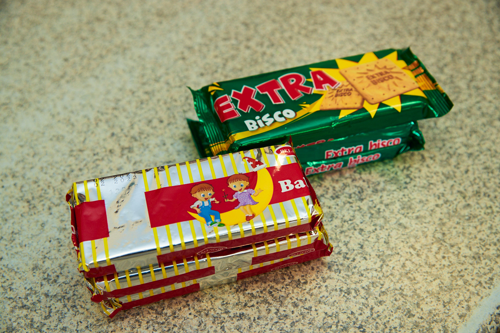 Extra Bisco - a proud local biscuit brand since the early 90's - is a common household name, and a favorite of every child growing up in Katanga. A wholesome biscuit with a zest of citrus flavor gives it its trademark taste for which it is loved.