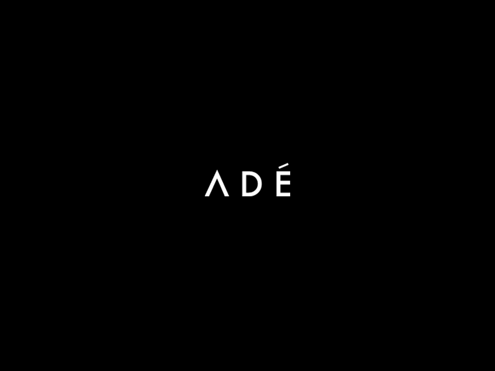 A D É