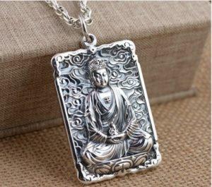 Bùa trừ tà từ mặt dây chuyền có hình Đức Phật Thích Ca