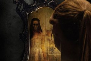 Thấy ma trong gương