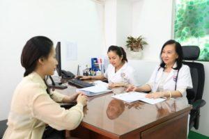 Có nên chữa viêm âm đạo tại nhà không?